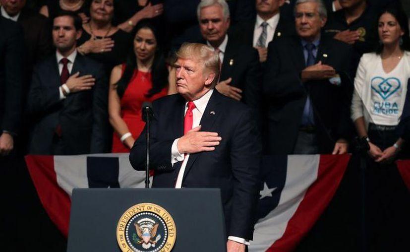 El presidente Donald Trump, viajó a Miami, Florida, donde anunció su plan para enfriar las relaciones de Estados Unidos con Cuba. (AFP).