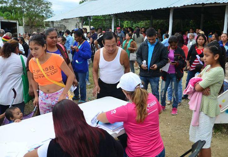 La Directora del DIF municipal, Erika Camacho, señaló que continúan uniendo voluntades y generando acciones para poder atender a todos los sectores de la población. (Foto: Cortesía)