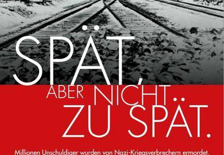 El cartelón de la campaña muestra en blanco y negro la fotografía de la entrada de un campo de concentración. (wiesenthal.com)