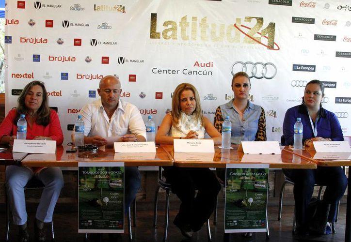 El comité organizador presentó el primer torneo de golf Latitud 21. (Francisco Gálvez/SIPSE)