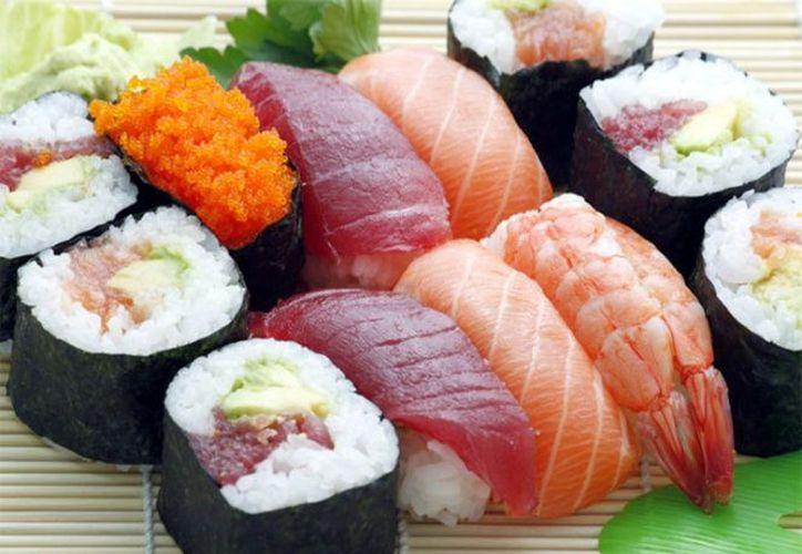 Un hombre de 71 años de edad se infectó con una peligrosa bacteria, que le hizo perder parte del brazo, tras comer sushi (Pixabay)