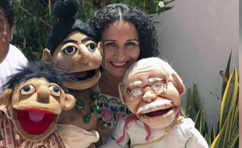 La hija de Don Wilberth Herrera ha continuado la herencia familiar en el teatro infantil. (Facebook/Andrea Herrera)