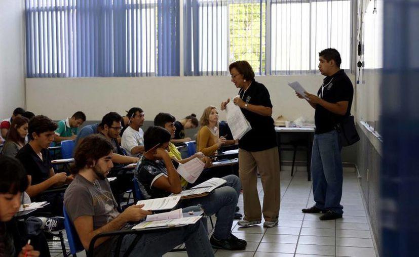 Los interesados en cursar una licenciatura o carrera técnica en la UnADM tienen hasta este domingo para inscribirse. (Archivo/Notimex)