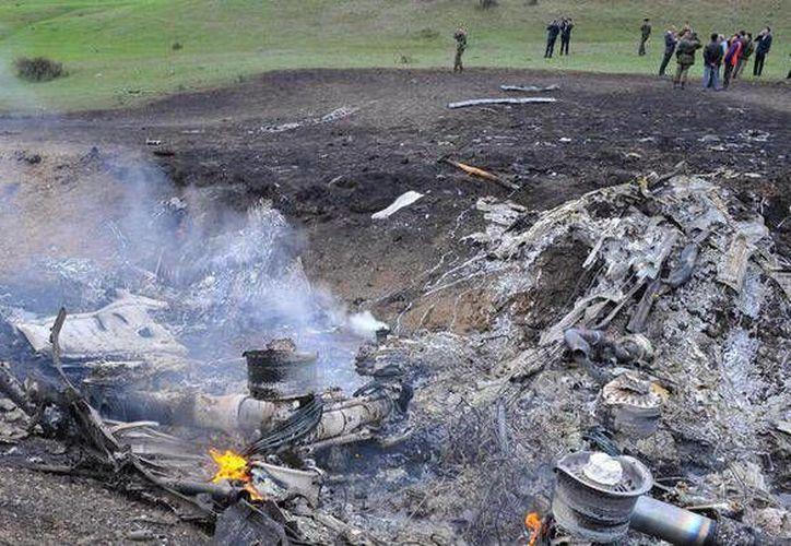 Los 44 pasajeros y seis tripulantes del avión fallecieron en el percance. (rt.com/Twitter)