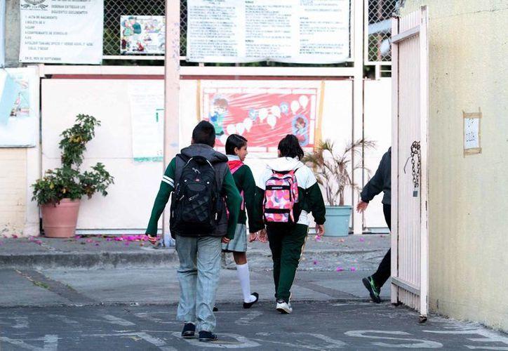 La SEP asegura que en promedio solo el 30 % de los alumnos asistió a los planteles educativos al finalizar las vacaciones decembrinas. (Notimex)