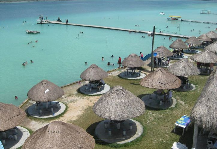 El evento se llevó a cabo en Bacalar, que será la sede de la coronación de la representante de Quintana Roo. (Javier Ortiz/SIPSE)