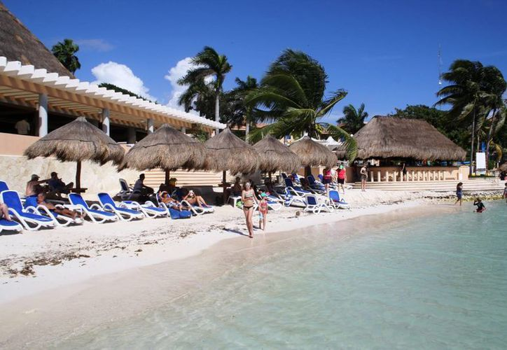 Los colonos de Puerto Aventuras planean realizar su propio proyecto de recuperación de playas. (Adrián Barreto/SIPSE)