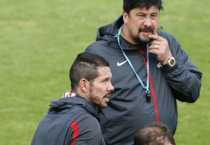 El 'Cholo' viajó a Valencia con un jugador lesionado y uno suspendido. (Foto: EFE)