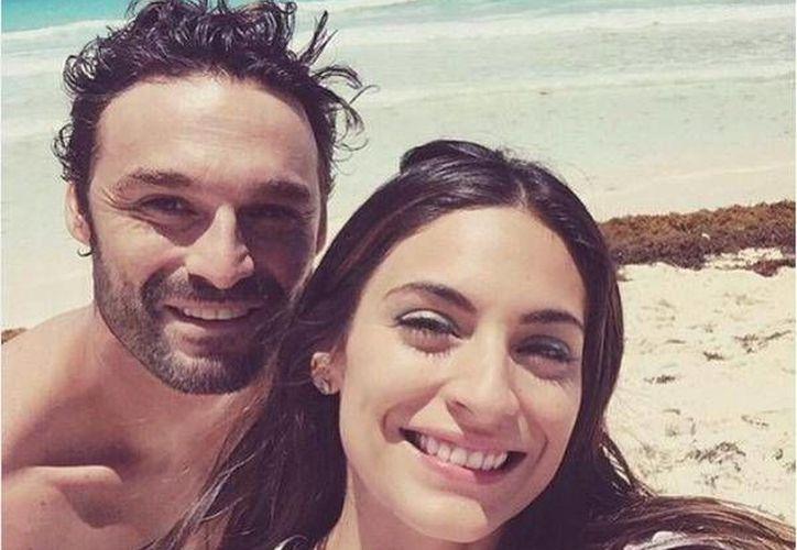Ana Brenda Contreras e Iván Sánchez en Cancún. (Instagram/Anabreco)