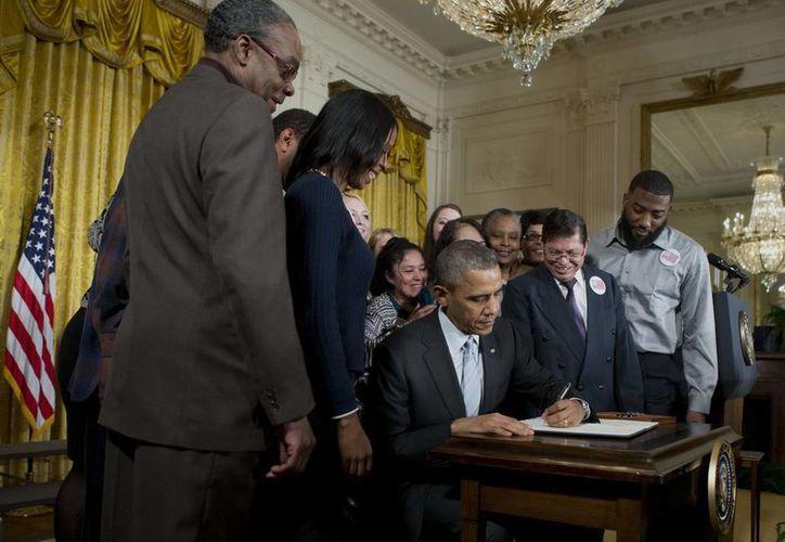 La orden del Presidente representa un incremento del 39% al salario mínimo actual. (Agencias)