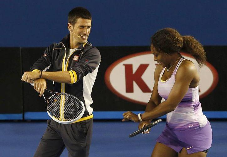 Djokovic recibe la distinción de la ITF por tercer año en fila, y para Serena Williams será la cuarta ocasión de su carrera. (EFE)