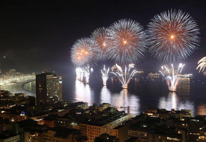 Desde el pasado fin de semana pasado hasta este  Año Nuevo, unos 700 mil turistas llegaron a Río de Janeiro, donde la capacidad hotelera fue ocupada en más del 95%. (Agencias)