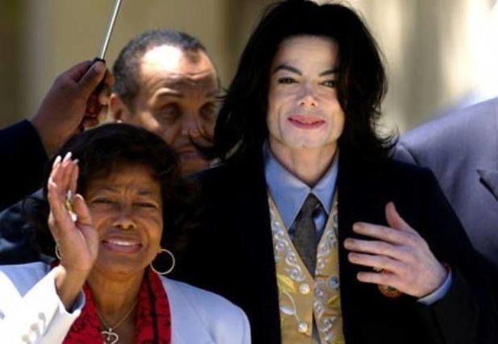 Katherine, madre de Michael Jackson, demandó a la corporación AEG por la muerte del cantante. (Agencias)