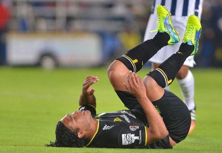 La imagen de la derrota: 'Gullit' Peña. León cayó 2-1 ante Pachuca. (jammedia).