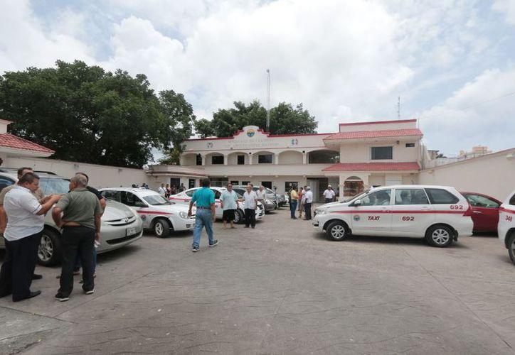 Taxistas en Cozumel eligen a nuevo líder. (Foto: SIPSE)