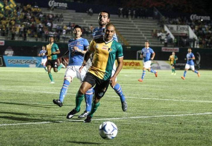 Este martes, los Venados de Marcelo Michel Leaño reciben al Cruz Azul del 'Jefe' Boy en partido de ida de la llave uno del grupo seis, en punto de las 21:00 horas. (Archivo SIPSE)