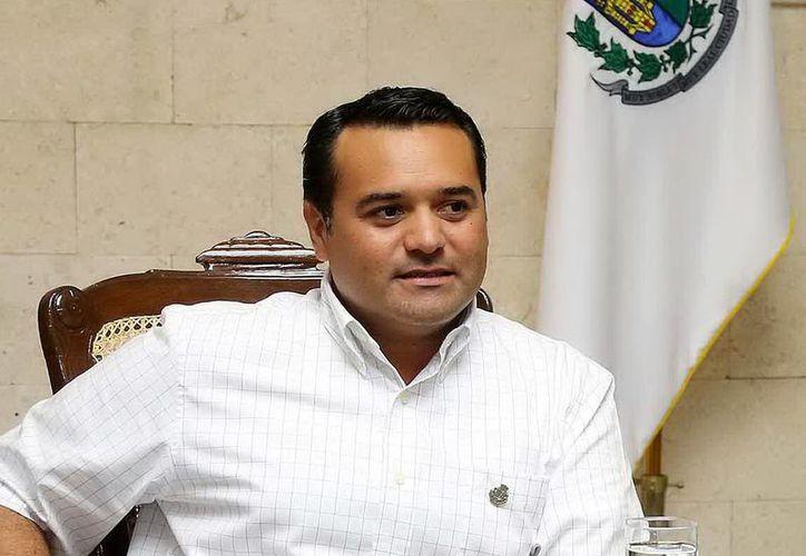 Renán Barrera Concha indicó que el pacto consistiría en definir los temas más importantes para la ciudad. (Milenio Novedades)