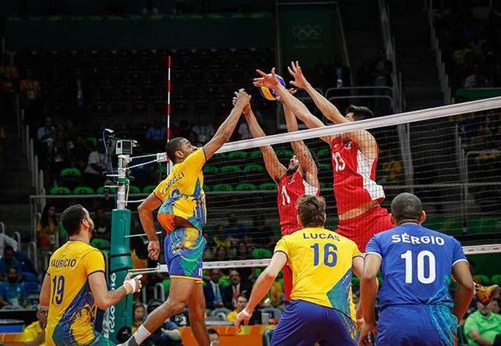 La selección comenzó ganando el primer set, pero luego fueron superados por lo anfitriones, quienes son los favoritos para ganar el Oro.(Foto tomada de Conade)
