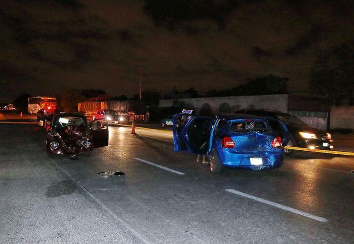Ambos vehículos se impactaron de frente sobre la carretera Mérida –Tixkokob. (SIPSE)