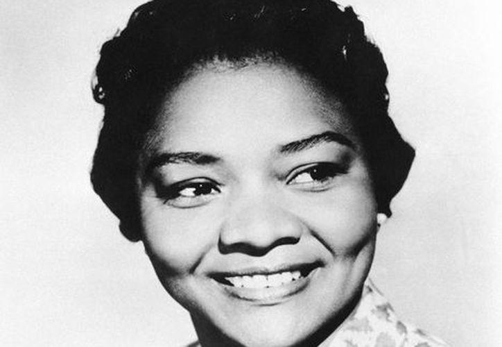 Juanita Moore en una fotografía de archivo del 31 de marzo de 1960. (Agencias)