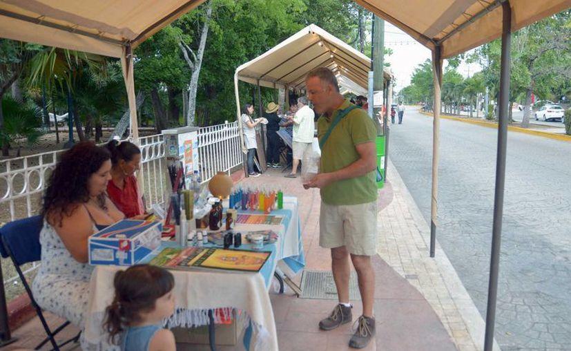 Durante el evento se vendieron diferentes objetos. (Karin Moisés/SIPSE)