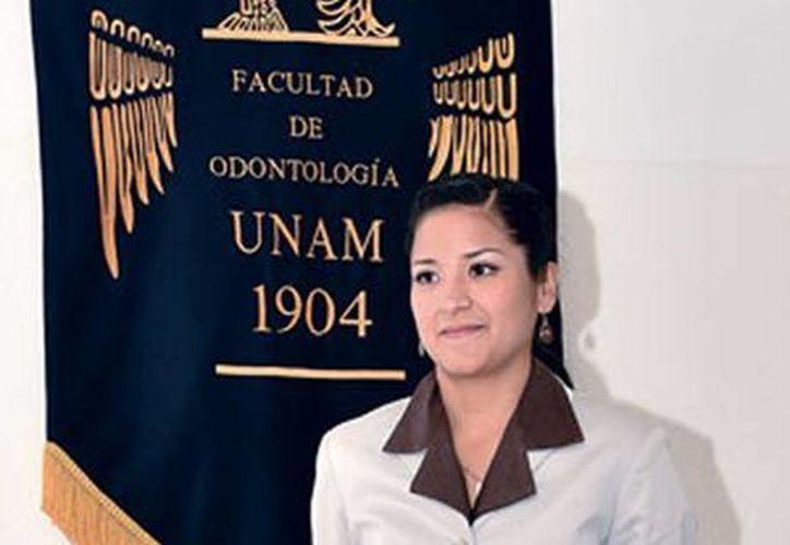 Adriana obtuvo una mención honorífica en la UNAM gracias a su trabajo sobre la corrección de la mordida invertida. (gaceta.unam.mx)