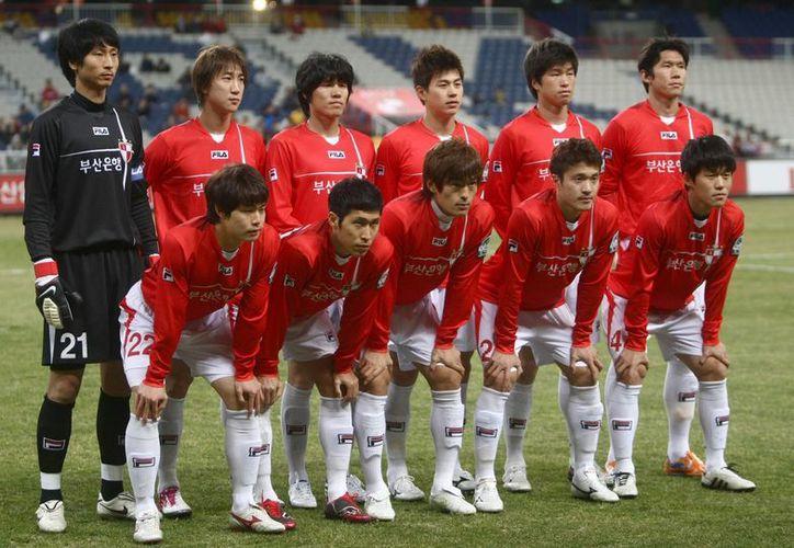 Otros 21 jugadores coreanos podrían regresar a las canchas tras un periodo de prueba. (Agencias)