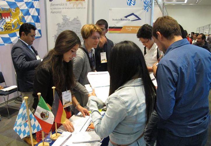 Ofrecieron opciones de estudio para Francia, Alemania, Unión Europea, Italia, entre otras naciones del viejo continente. (DAAD México)