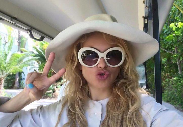 La cantante mexicana Paulina Rubio ha sido criticada por modificar su acento desde que se mudó a España a mediados de los 2000.  (facebook.com/paulinarubio)