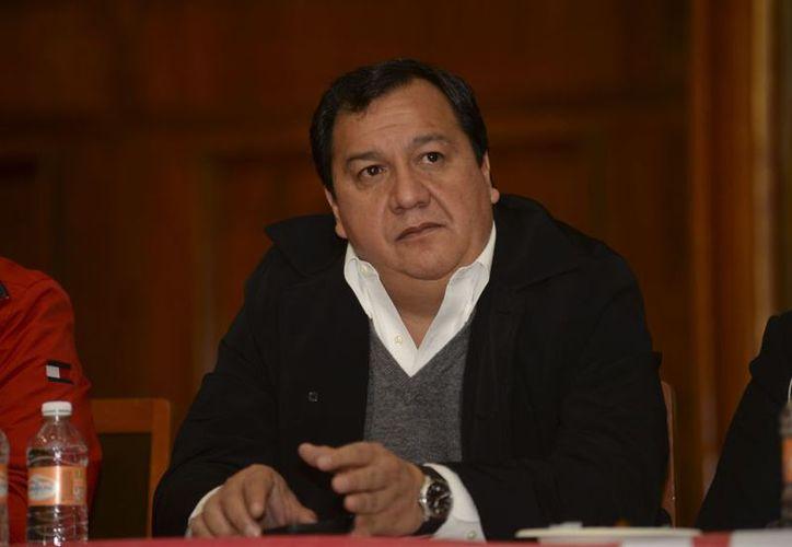 Óscar González declinó a favor de la aspirante de Morena,  con el fin de lograr un cambio en Edomex. (Foto: Contexto/Internet)