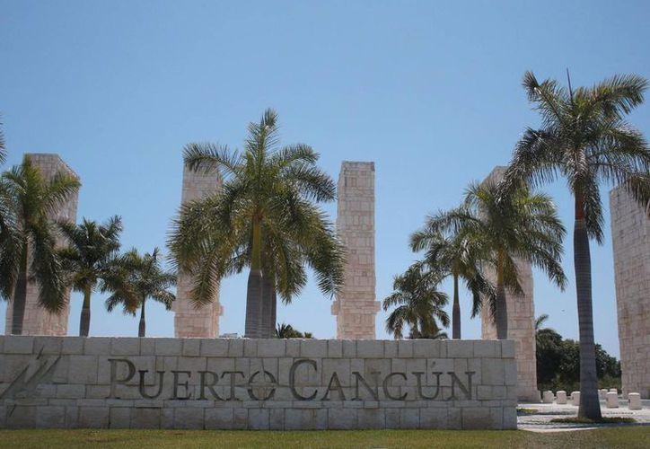 Puerto Cancún, catalogado como uno de los cinco desarrollos más importantes en México por la revista Forbes. (Israel Leal/SIPSE)