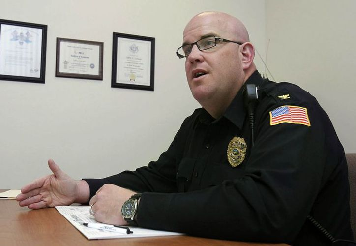 El departamento intentará reclutar a agentes bilingües y poner disponibles materiales y avisos públicos traducidos. (Agencias)