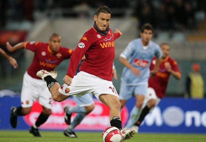 Totti cumplirá 37 años el 27 de septiembre próximo. (bostinno.streetwise.com)