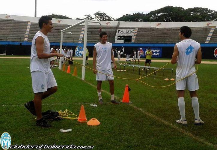 Amplia sonrisa mostraban los jugadores astados en su práctica de ayer. (Milenio Novdades)