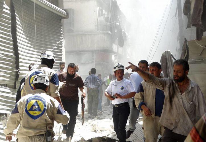 Dos proyectiles caídos en zonas bajo control del régimen quitaron la vida a otras 22 personas este jueves en Siria. (EFE)