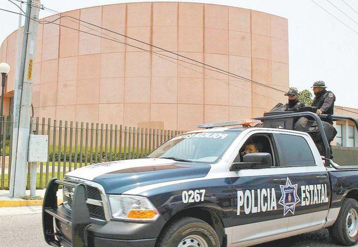 Representantes del gobierno estatal hicieron un recorrido por la sede legislativa para definir la logística que se llevará a cabo el acto. (Milenio)
