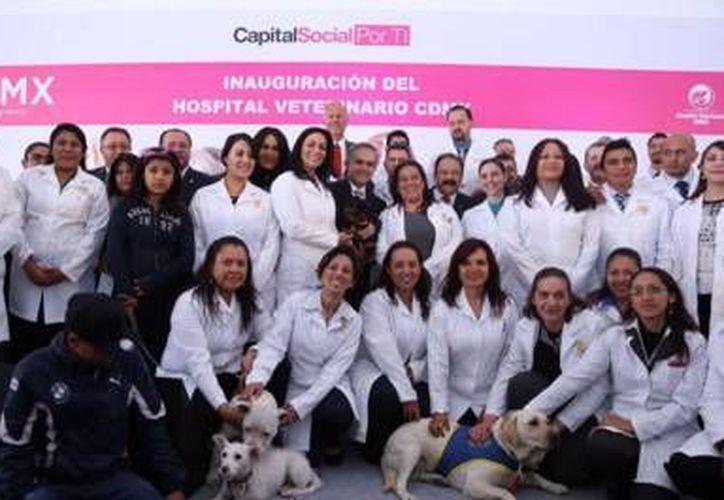 Este martes fue inaugurado el primer  Hospital Veterinario de la Ciudad de México. (twitter.com/ManceraMiguelMX)
