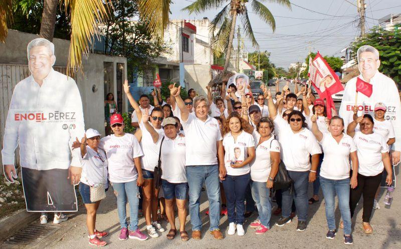 La familia es el núcleo de la sociedad mexicana, dijo Enoel Pérez Cortez. (Cortesía)