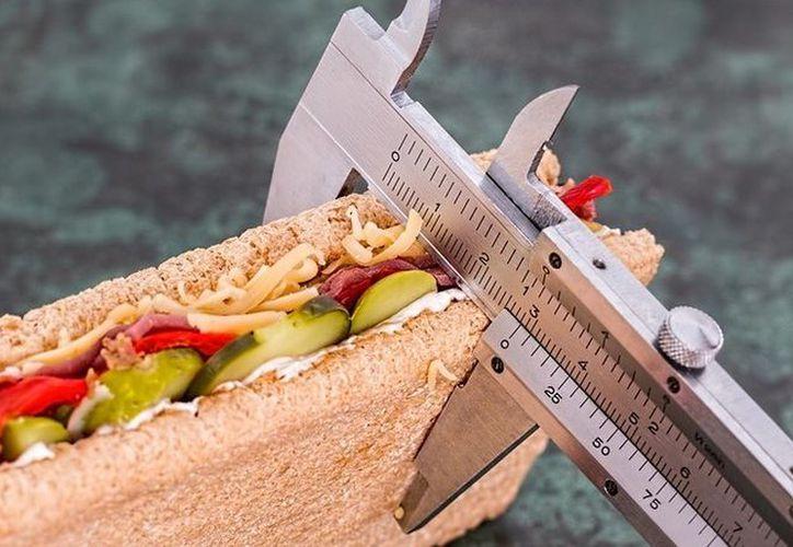 Una pareja terminó rota después de guardar conjuntamente una dieta. (Pixabay)
