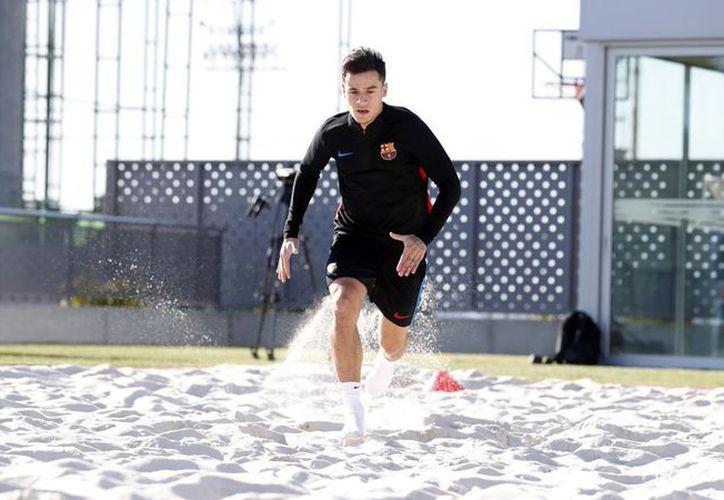 Philippe Coutinho completó su primer entrenamiento con el Barcelona. (Twitter)