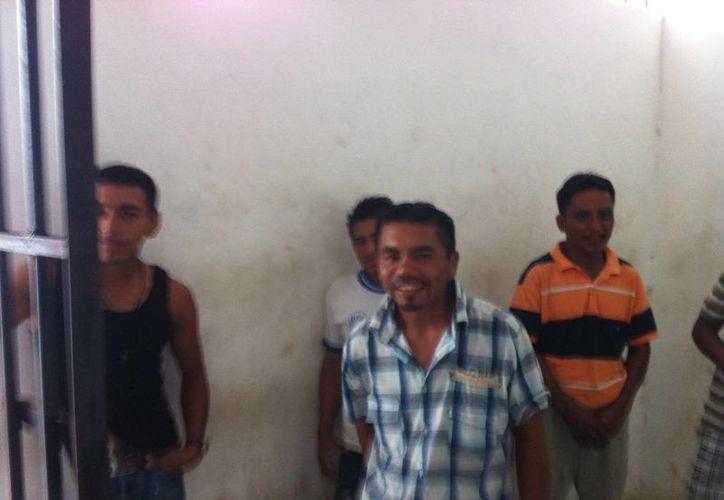 Los guatemaltecos llevaban alrededor de 15 días en territorio estatal. (Harold Alcocer/SIPSE)
