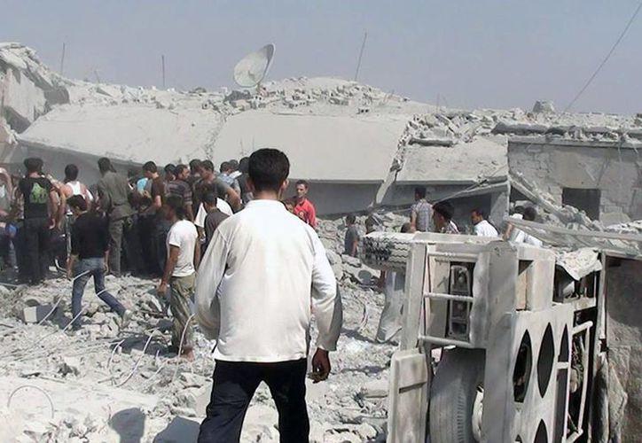 Casas sirias destruidas durante un ataque de fuerzas del gobierno contra insurgentes. (Agencias)