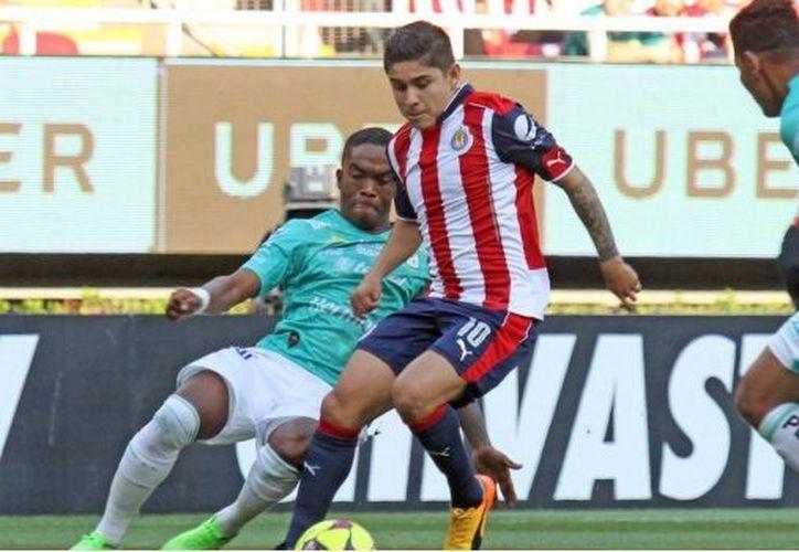 El partido obtuvo un dramático empate, sin embargo, Chivas logró clasificar a la Liguilla. (Foto: @chivaspasioncom)
