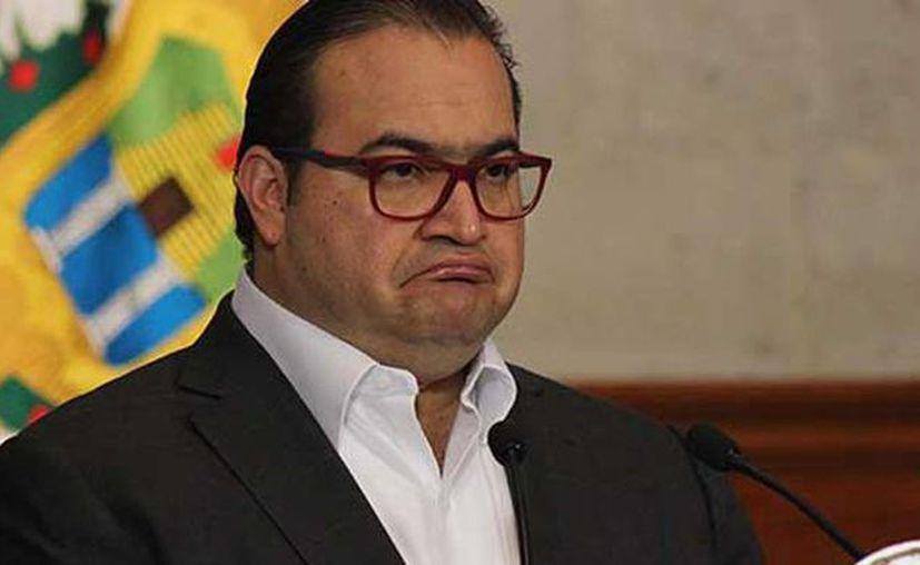 Javier Duarte se encuentra prófugo desde el pasado 19 de octubre, después de que un juez girará orden de detención en su contra. (Pulso)