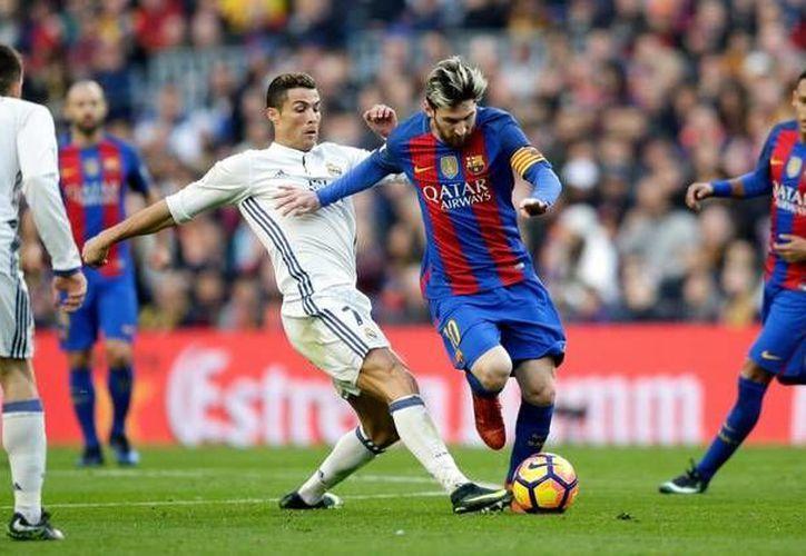 Messi lideró la victoria del Barcelona ante el Real Madrid este domingo. (Contexto/(Roja directa)