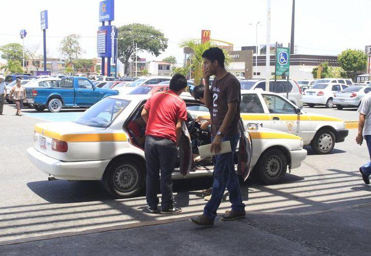 En 14 casos estuvieron involucrados los taxistas. (Harold Alcocer/SIPSE)