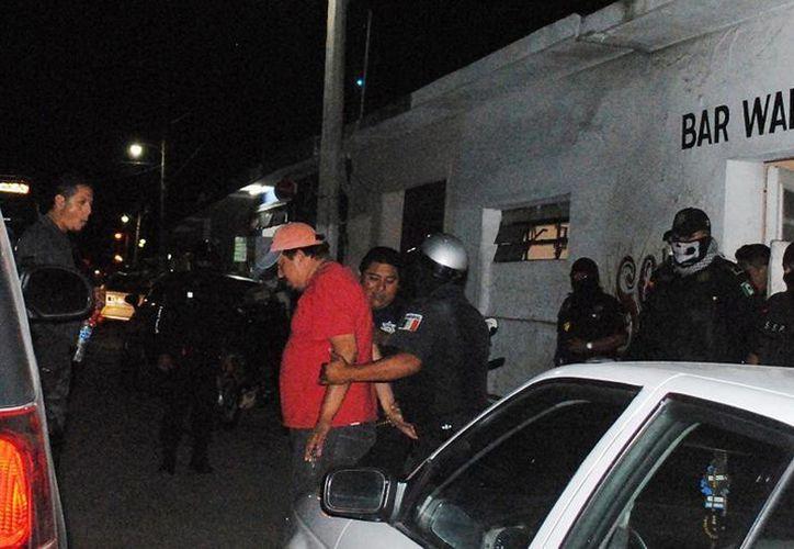 Operativo en bares y cantinas de Tizimín  dejó cuatro bares clausurados por diversas irregularidades. (Milenio Novedades)