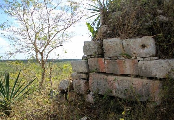 Tras el rescate de piezas arqueológicas robadas y llevadas a un predio particular en Oxcum, no se informó que hubiera personas detenidas. (Foto de contexto de SIPSE)