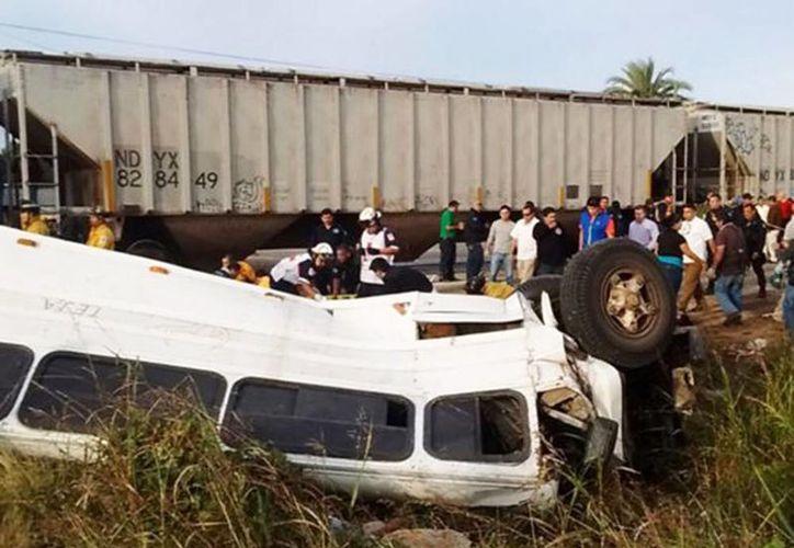 El choque tuvo lugar en la carretera Habal-Cerritos de Sinaloa. Imagen del lugar del accidente. (Excelsior)