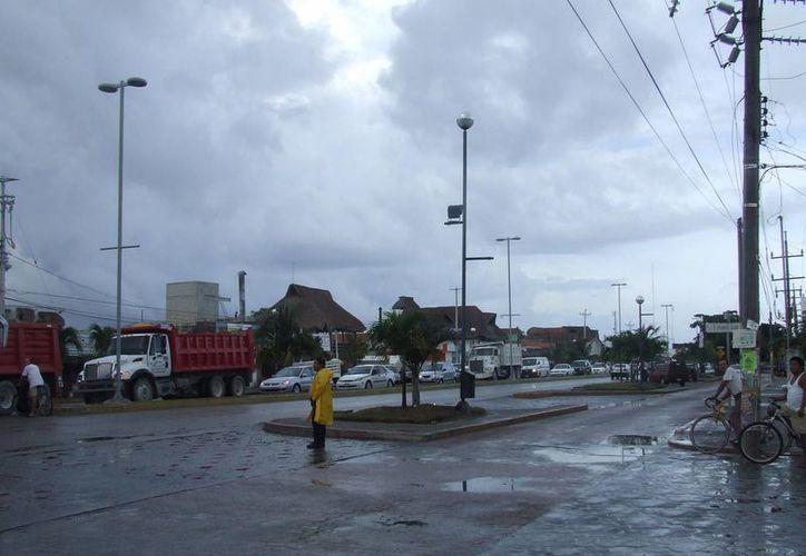 El servicio de energía eléctrica quedó restablecido cerca del mediodía de ayer. (Rossy López/SIPSE)
